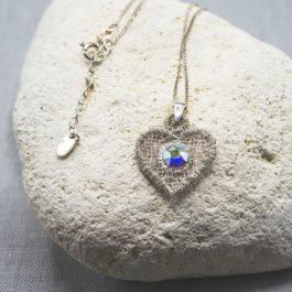 Cœur en pendentif – Collier ras de cou